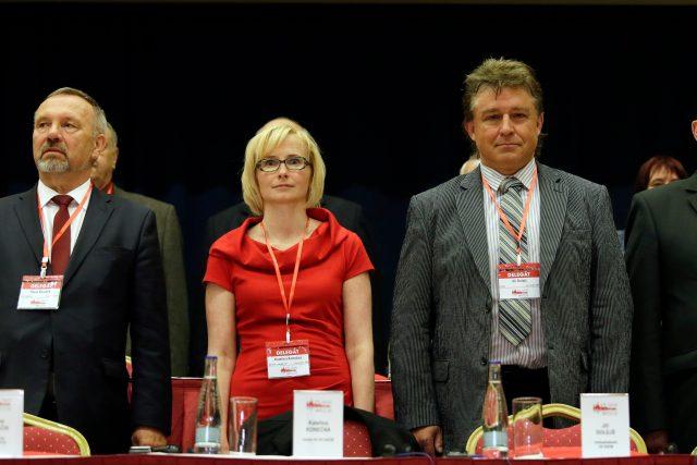 V Praze se 14. května 2016 konal 9. sjezd Komunistické strany Čech a Moravy. Na snímku zleva Pavel Kováčik, Kateřina Konečná, Jiří Dolejš a Oldřich Bubeníček