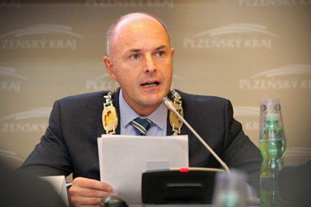 Bývalý hejtman Plzeňského kraje Josef Bernard vystoupil v květnu z ČSSD