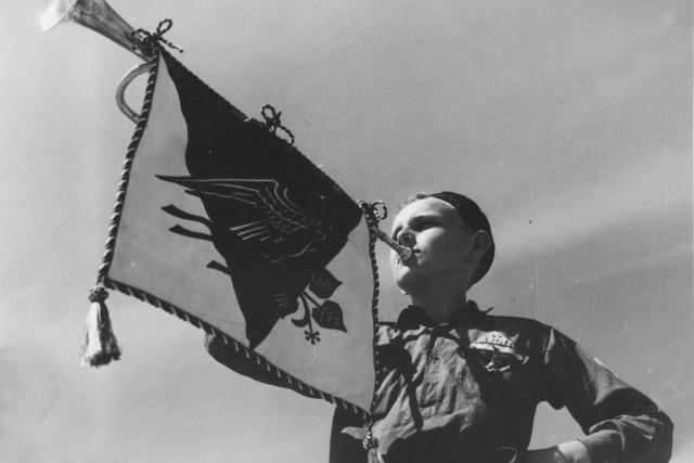 Vratislav Richter zahajuje XI. Všesokolský slet v roce 1948