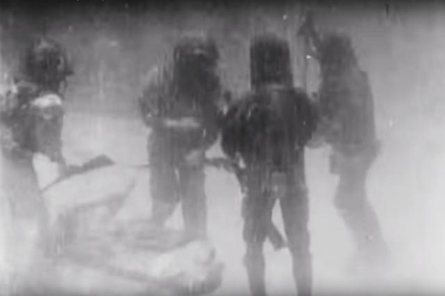 Podmořské záběry z filmu 20 000 mil pod mořem (1916)