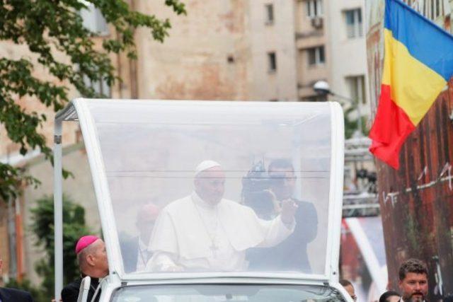 Papež František během prvního dne návštěvy Rumunska