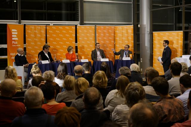 Účastníci veřejné debaty Českého rozhlasu Plus debatovali o budoucnosti Číny