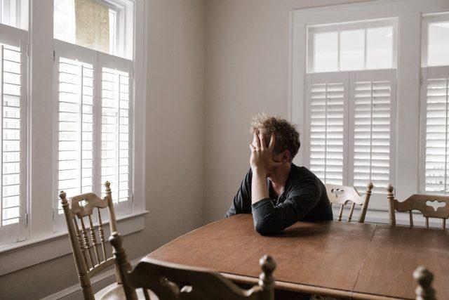 muž - smutek,  stres   foto: Pexels,  CC0 1.0