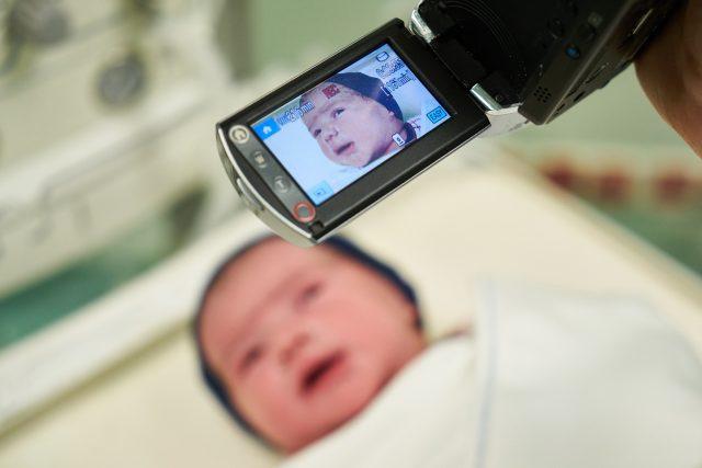 Dítě, novorozenec (ilustrační foto)