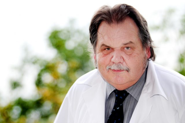 Jan Žaloudík, senátor zvolený za ČSSD a ředitel Onkologického ústavu Žlutý kopec