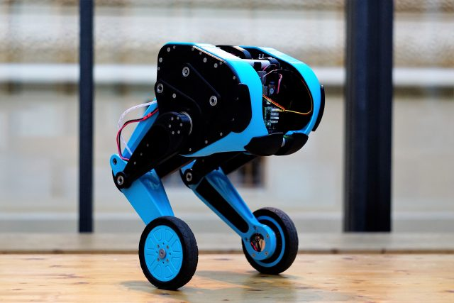 Robot SK8O