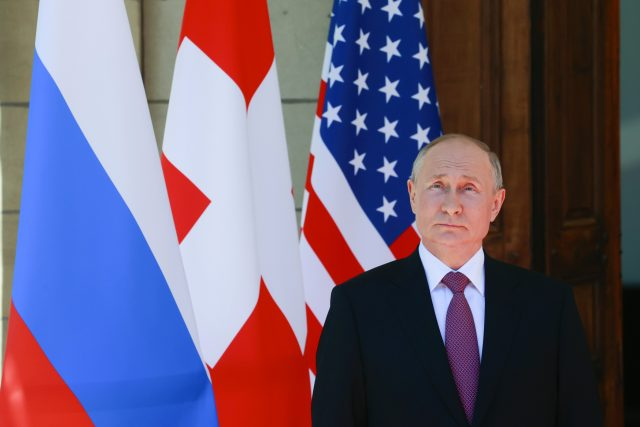 Ruský prezident Vladimir Putin na summitu v Ženevě | foto:  Denis Balibouse,  ČTK/AP