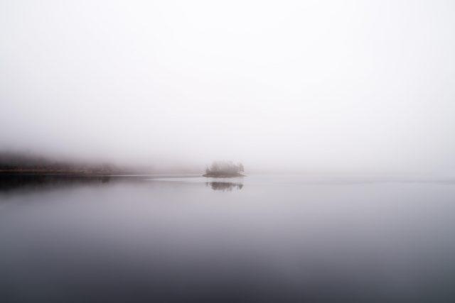 ostrov - mlha - moře