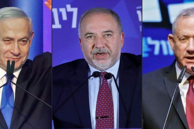 Zleva Benjamin Netanjahu, Avigdor Lieberman a Benny Ganc