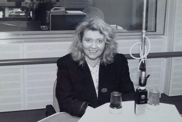 Lída Rakušanová v listopadu 1989 vysílala pořad Události a názory v Rádiu Svobodná Evropa.