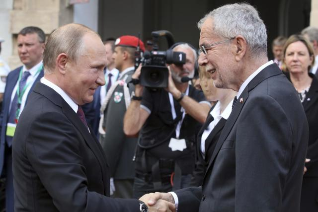 Ruský prezident Vladimir Putin a jeho rakouský protějšek Alexander Van der Bellen
