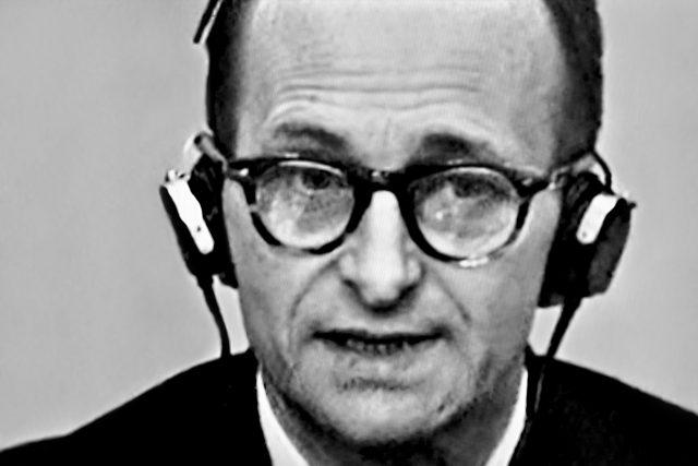 Adolf Eichmann před soudem v Jeruzalémě roku 1961