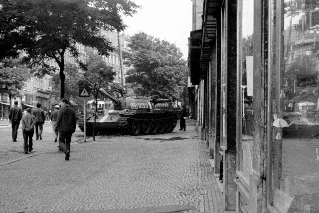 21. srpen 1968,  okupace Československa,  tank,  Sovětská invaze | foto: Profimedia