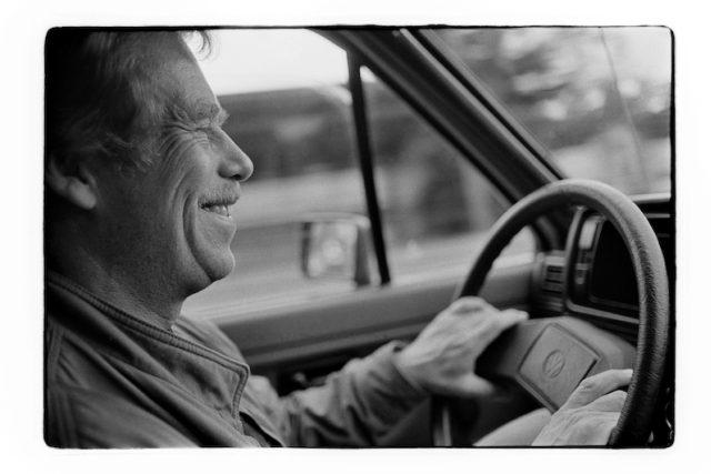 Autodialog s Václavem Havlem, při kterém mohou lidé na Letenské pláni v Praze nahrát vzkaz prvnímu porevolučnímu prezidentovi Václavu Havlovi v jeho v automobilu Volkswagen Golf