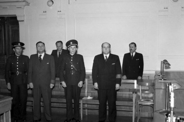 Augustin Popelka a Josef Kliment před Národním soudem