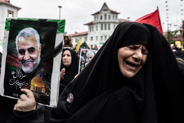 protesty po smrti íránského generála Kásema Solejmáního (Protest against the killing of Iran General Qasem Soleimani, Rasht, Iran - 09 Jan 2020)