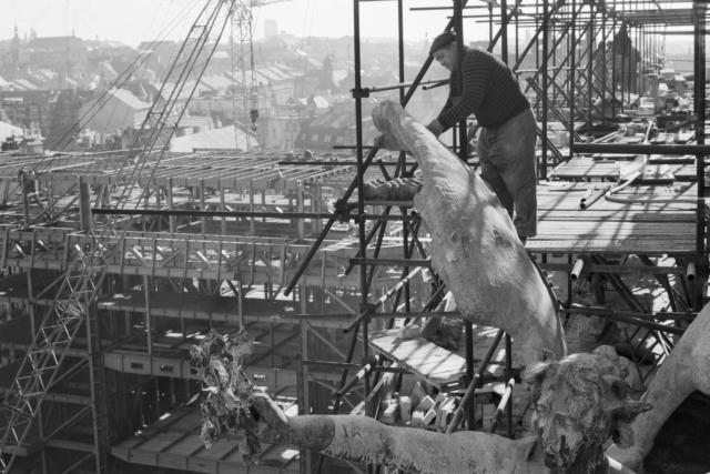 Rekonstrukce Národního divadla, říjen 1980