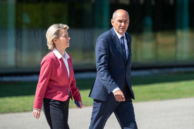 Slovinský premiér Janez Janša s šéfkou Evropské komise Ursulou von der Leyenovou
