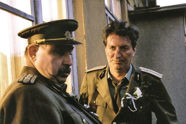 V televizním seriálu Juraje Herze Černí baroni si Andrej Hryc zahrál postavu majora Terazkyho