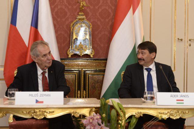 Miloš Zeman a János Áder