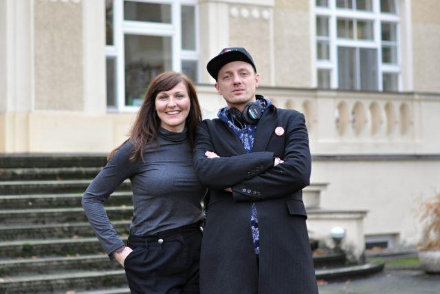 Moderátorka Lenka Vahalová se zpěvákem Ondřejem Rumlem