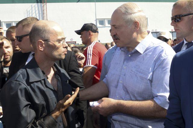 Běloruský prezident Alexandr Lukašenko při setkání svých stoupenců