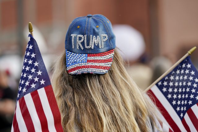 Příznivci Donalda Trumpa ve Phoenixu