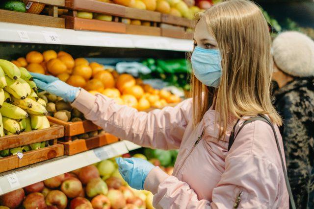 Nakupování v době koronaviru  (ilustrační foto)   foto: Fotobanka Profimedia