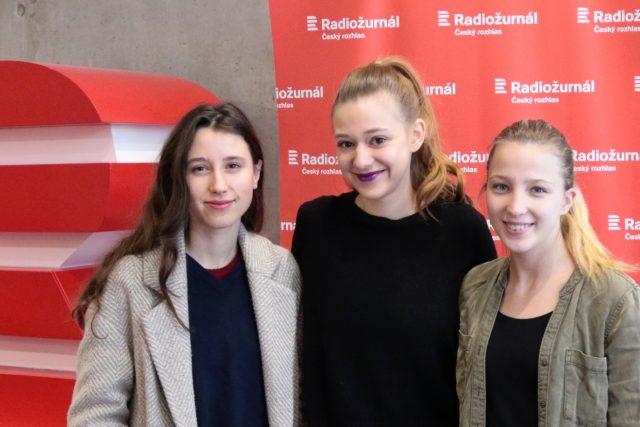 Protagonistky filmu V síti Tereza Těžká, Anežka Pithartová a Sabina Dlouhá