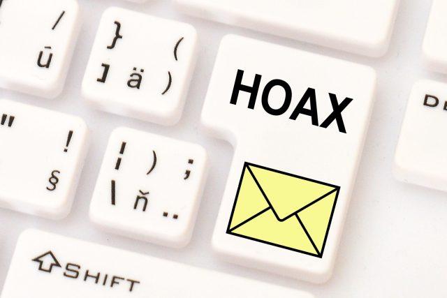 Hoaxy se na internetu šíří hlavně na sociálních sítích a pomocí řetězových e-mailů | foto: Profimedia