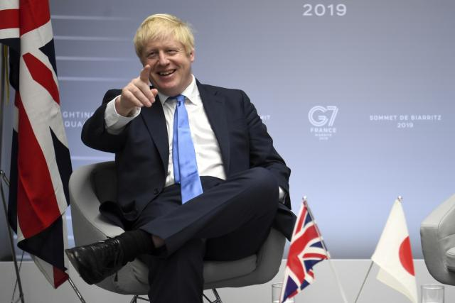 Boris Johnson na summitu G7 v Biarritzu
