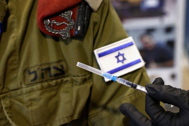 Proč je Izrael zatím v očkování tak úspěšný?