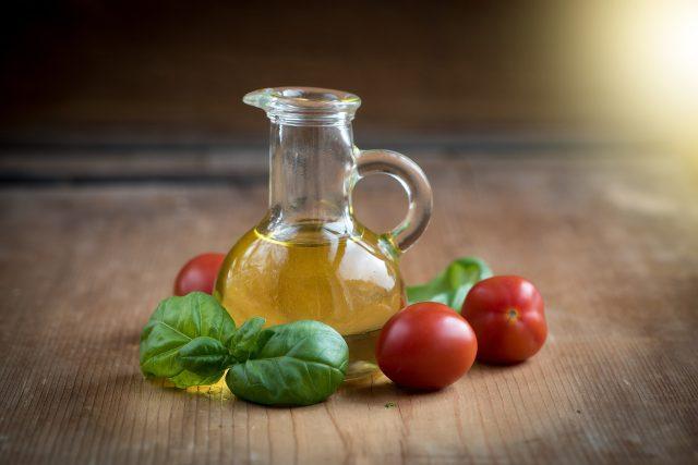 Řepkový olej patří k těm nejzdravějším
