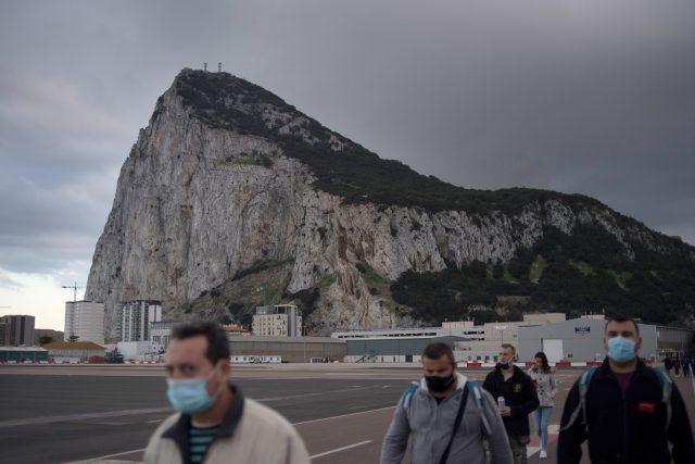 Většina obyvatel Gibraltaru dostala vakcínu proti koronaviru