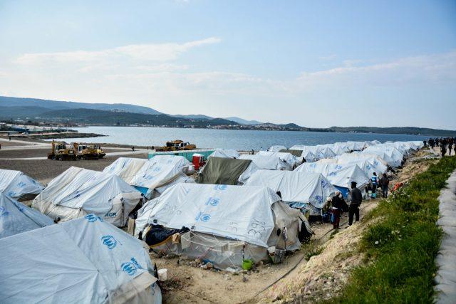 Uprchlický tábor Karatepe na egejském ostrově Lesbos | foto: Fotobanka Profimedia