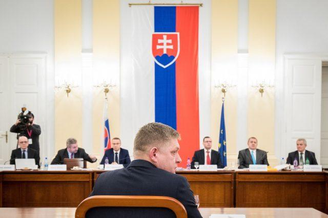 Slovenský expremiér Robert Fico odpovídal na dotazy poslanců, proč chce být členem ústavního soudu