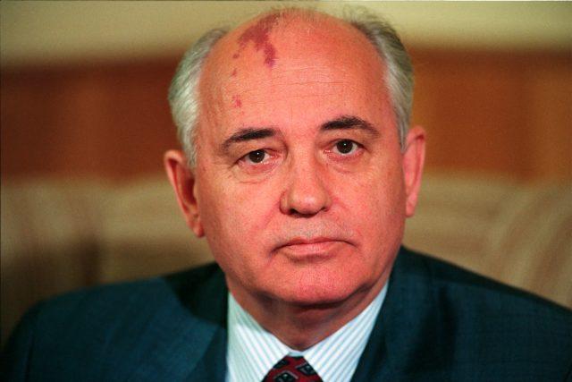 Nikdo Gorbačovovi nevezme, že tužby národů našeho regionu nenechal rozdrtit pásy sovětských tanků.