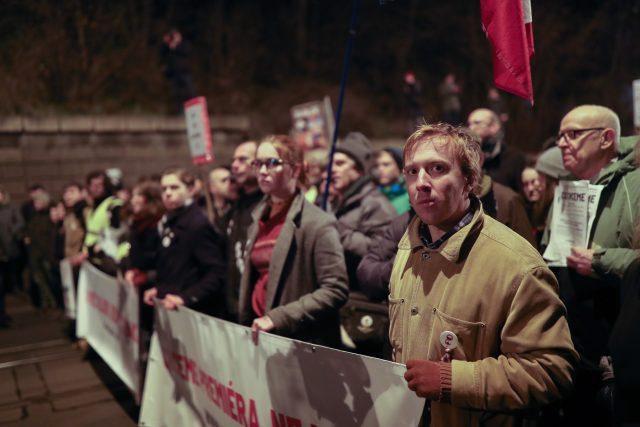Předseda spolku Milion chvilek pro demokracii vyzval pravicovou opozici k jednotnému postupu.