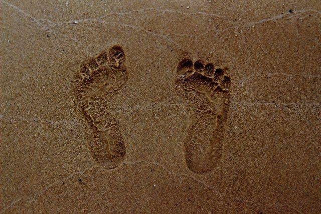 """Dětské nohy potřebují pro správný vývoj zdolávat """"překážky"""""""