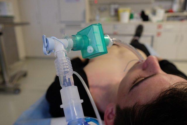 Nouzová plicní ventilace (ilustrační snímek)