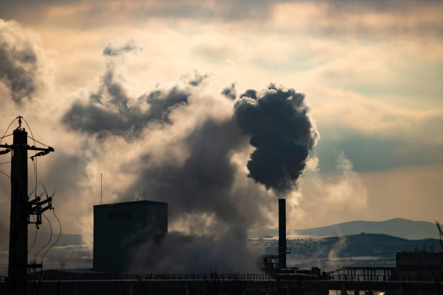 Znečištění ovzduší  (ilustrační foto)   foto: Shutterstock