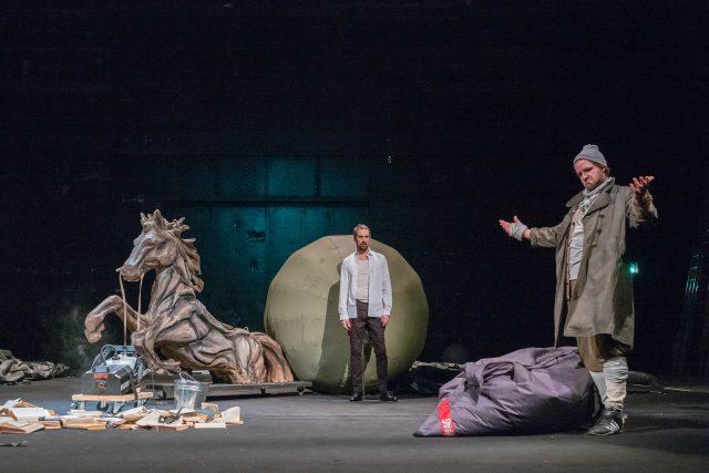 Inscenace Zmoudření Dona Quijota v Divadle na Vinohradech