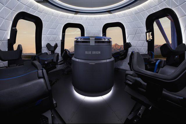 Interiér rakety New Shepard od společnosti Blue Origin Jeffa Bezose   foto: Profimedia