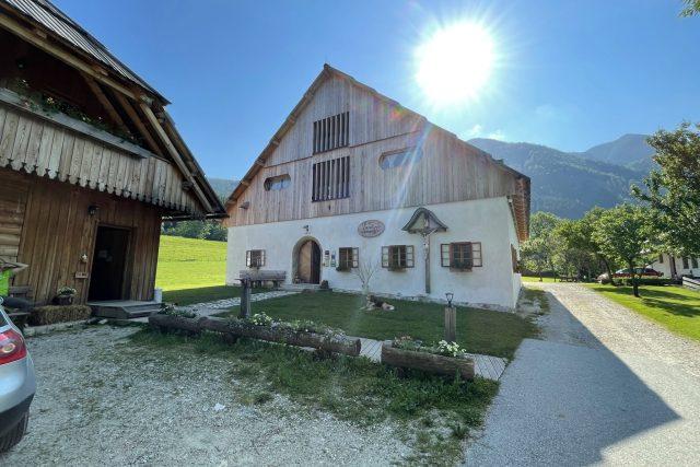 Šenkova Domačija,  jedna z budov farmy,  jejíž nejstarší stavba patří mezi kulturní památky   foto: Kateřina Havlíková,  Český rozhlas,  Český rozhlas
