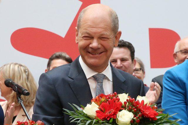 Vítěz německých parlamentních voleb,  sociální demokrat Olaf Scholz | foto: Fotobanka Profimedia