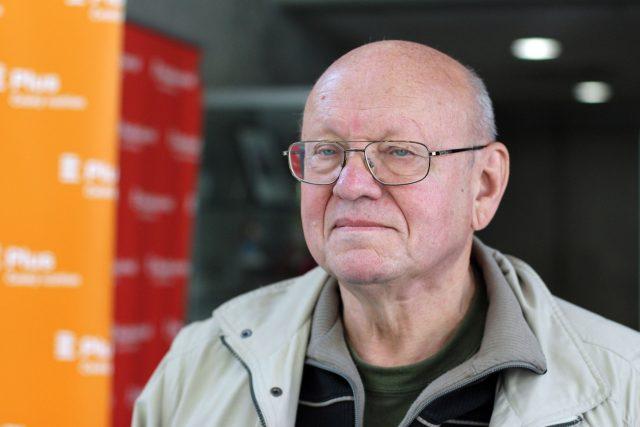 Miloš Rejchrt, evangelický farář a disident, byl v letech 1980–1981 mluvčí Charty 77