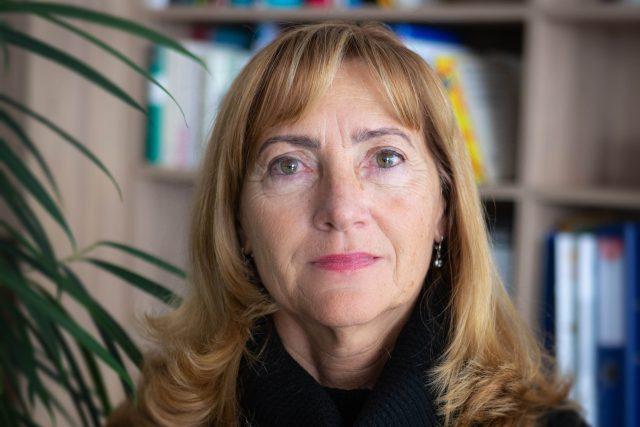 Hygienička Květoslava Kotrbová považuje za klíčové očkování a trasování. Oboje proti nákaze výrazně pomáhá   foto: Petr Kubát,  Český rozhlas