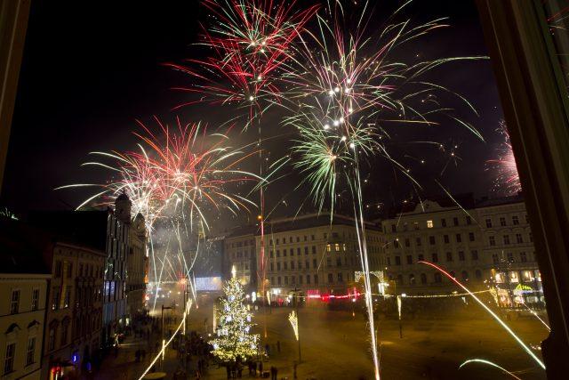 Ohňostroj na náměstí Svobody v Brně