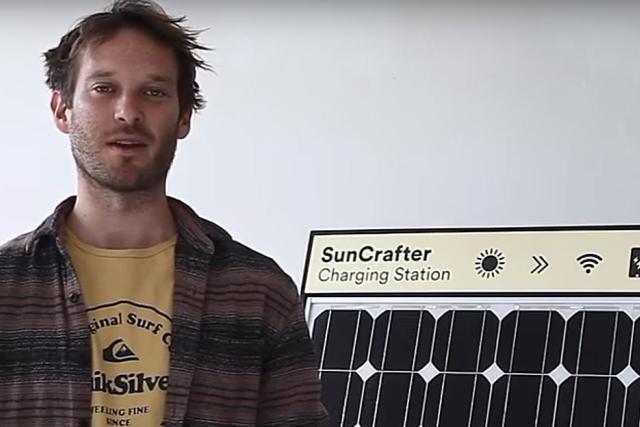 Bryce Felmingham z vítězného týmu SunCrafter, který se účastnil berlínského hackathonu.