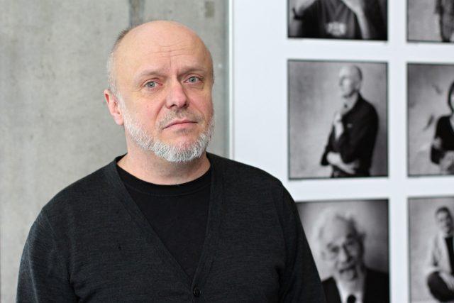 René Levínský, který se při centru IDEA v institutu CERGE-EI věnuje tvorbě epidemiologických modelů